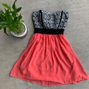 Adorable sleeveless summer dress